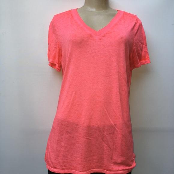 85ae720ab9cce Victoria Secret Pink women t-shirt size medium